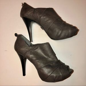 Simply Vera Charcoal Grey Slouch Booties Sz 10